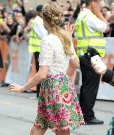 Amanda-Seyfried--While-Were-Young-Premiere-TIFF-2014--07-300x420