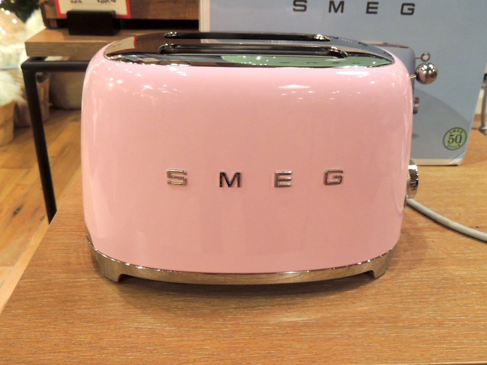 smeg pink 1 a 50u0027s retro style pink by smeg in a. Black Bedroom Furniture Sets. Home Design Ideas