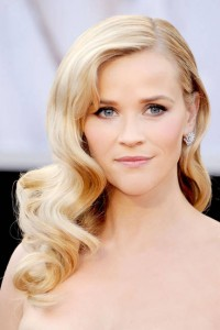 Celebrities_-With_-Blonde_-Hairstyle_www.FashionEnds.com-6