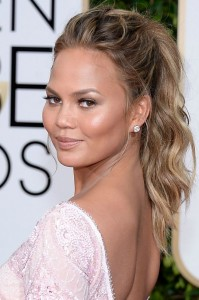 golden-globes-best-beauty-2015-chrissy-teigen-w540