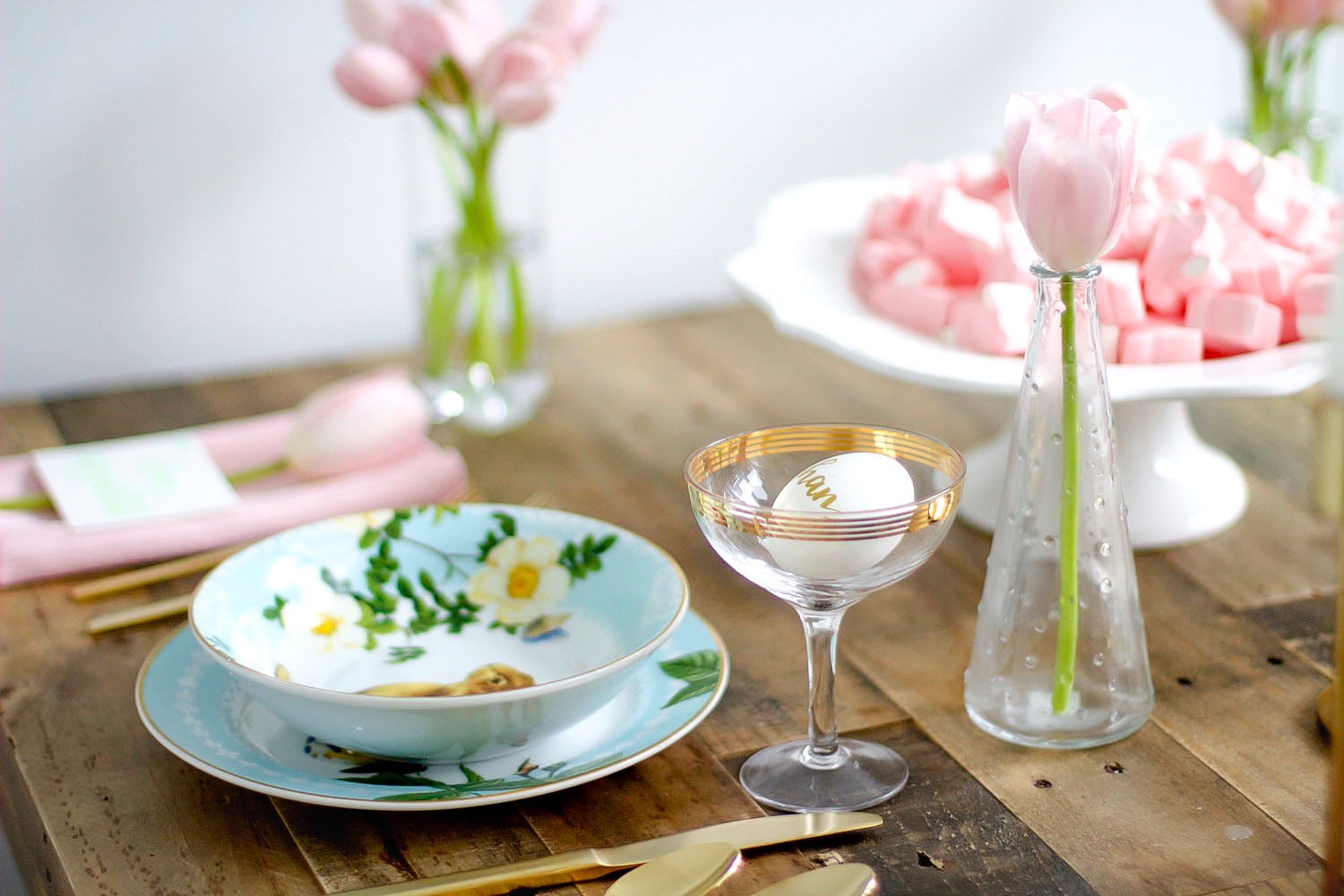 easter table setting pink the town 33