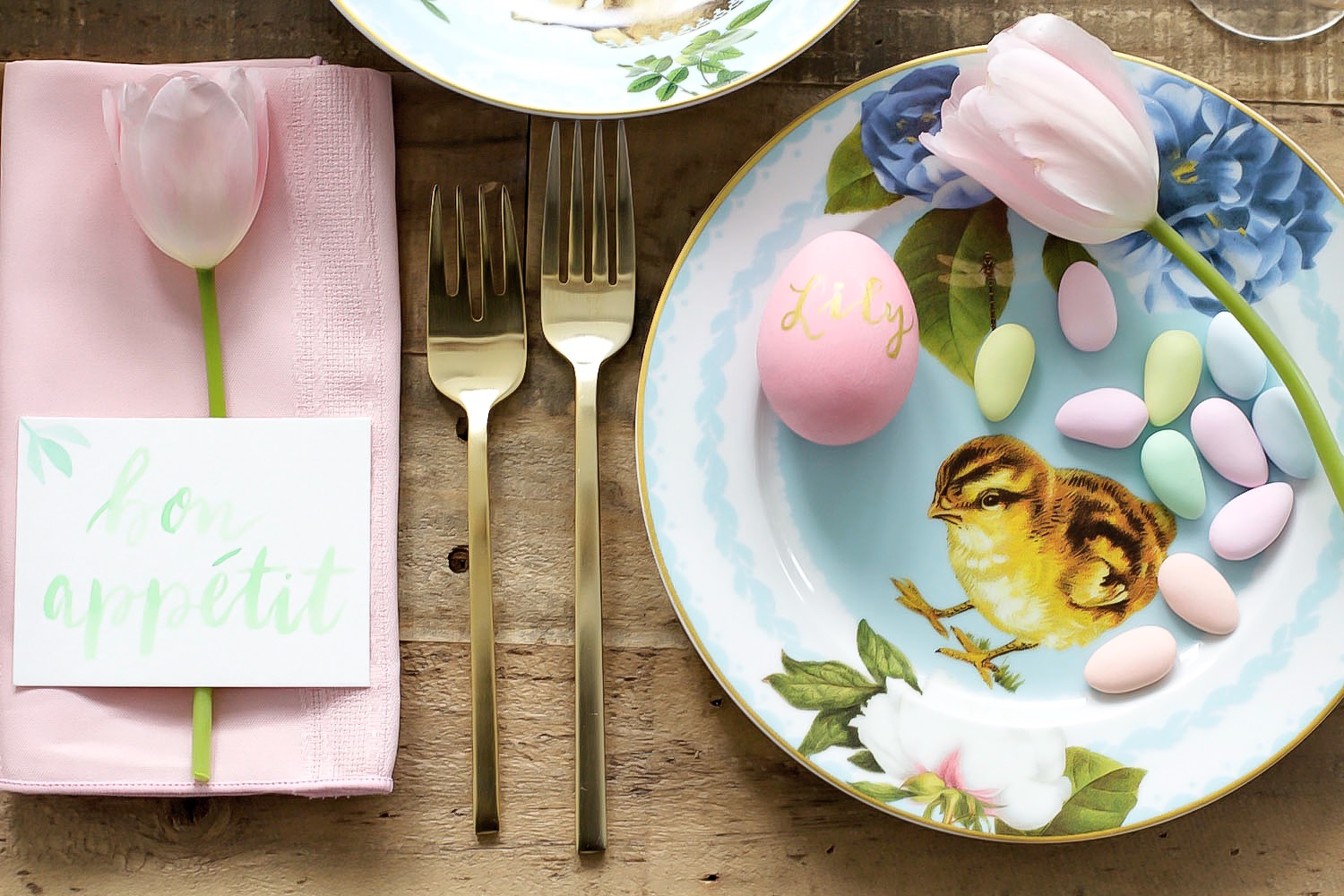 easter table setting pink the town 39