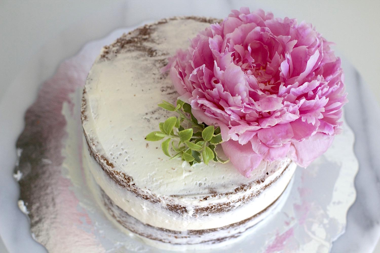 peony naked cake 1