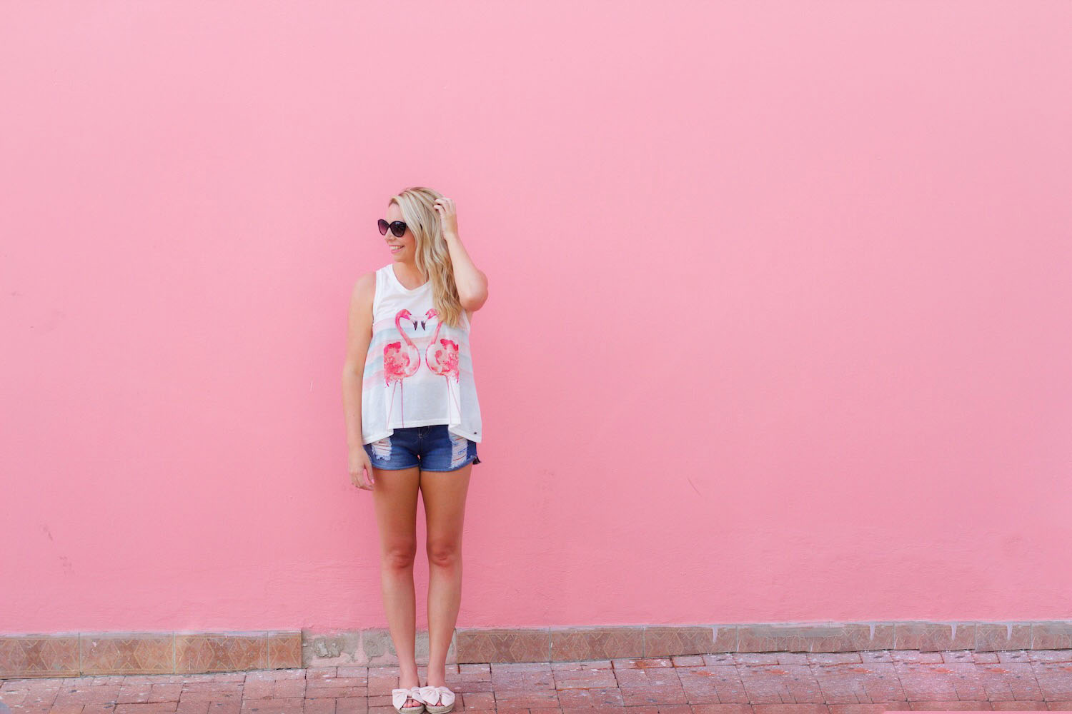 pink-the-town-aruba-pink-wall-pink-mall-21