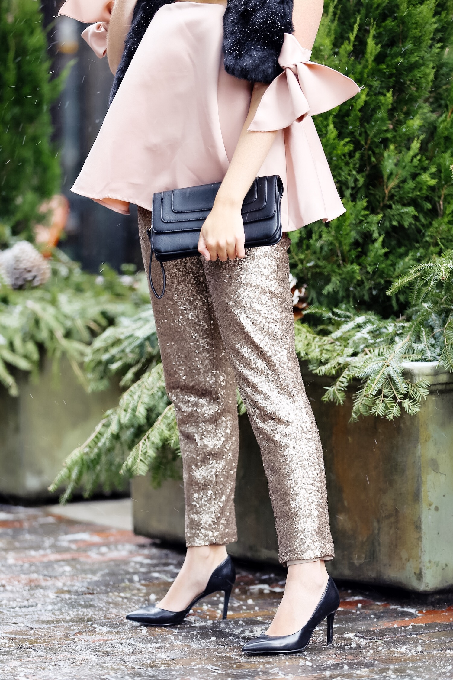 pink-the-town-amanda-losier-holiday-fashion-sequin-pants-19