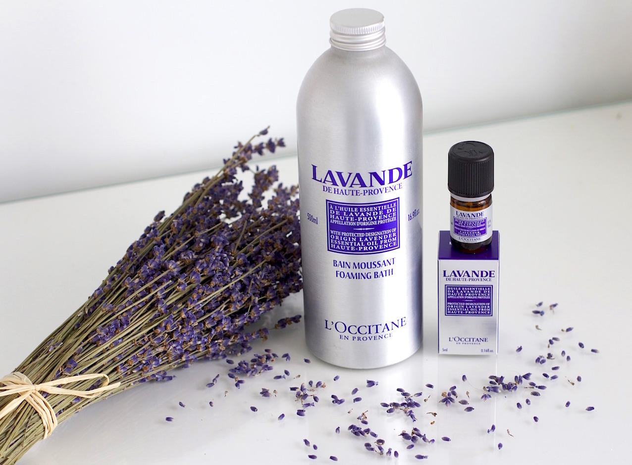 Kết quả hình ảnh cho L'Occitane Relaxing & Foaming Lavender Bubble Bath